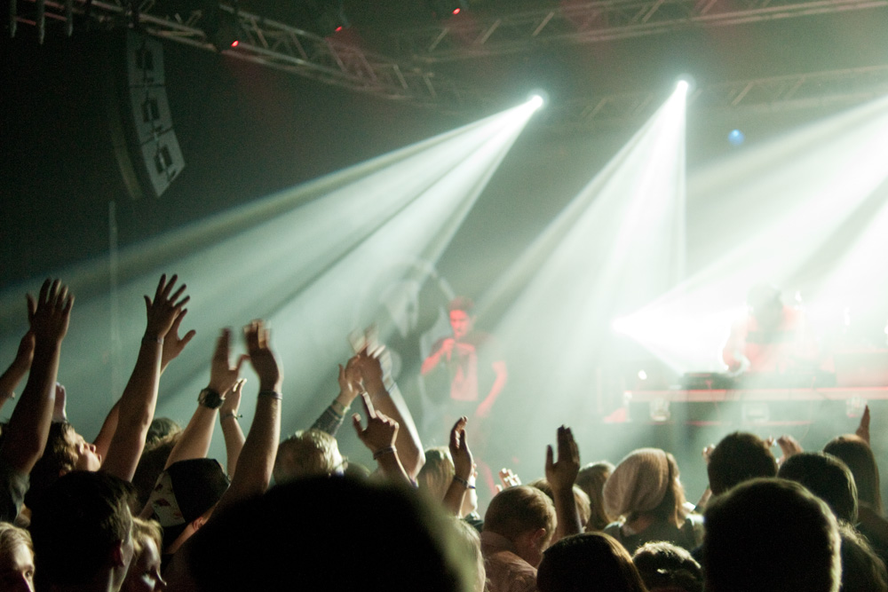 Publik, Jesus Loves Electro